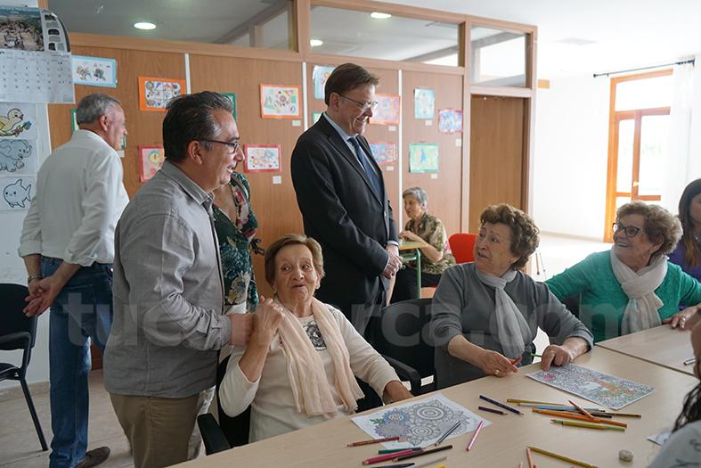 Además, ha realizado una visita institucional al Ayuntamiento de la localidad, así como al centro de respiro de la tercera edad del municipio.