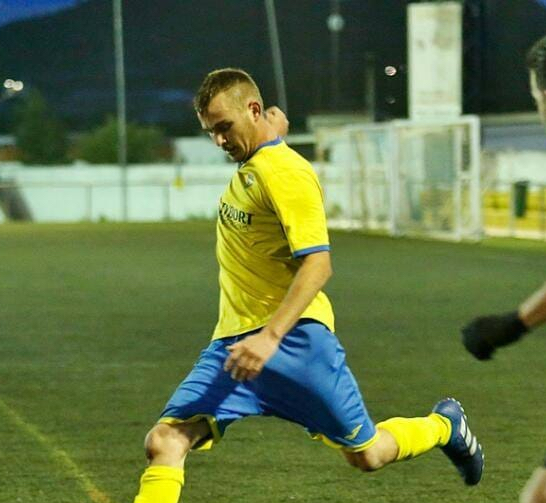 Albert Valero Fortea (ex del SC Requena y CD Cheste).