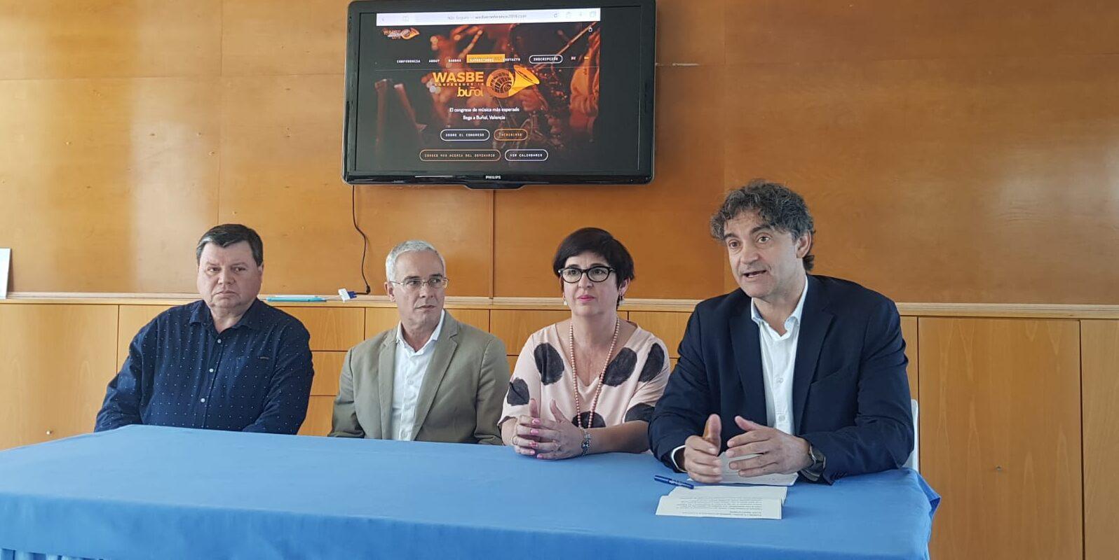 Francesc Colomer ha participado en la presentación de la Conferencia Internacional WASBE junto a la alcaldesa de Buñol y el presidente de WASBE.