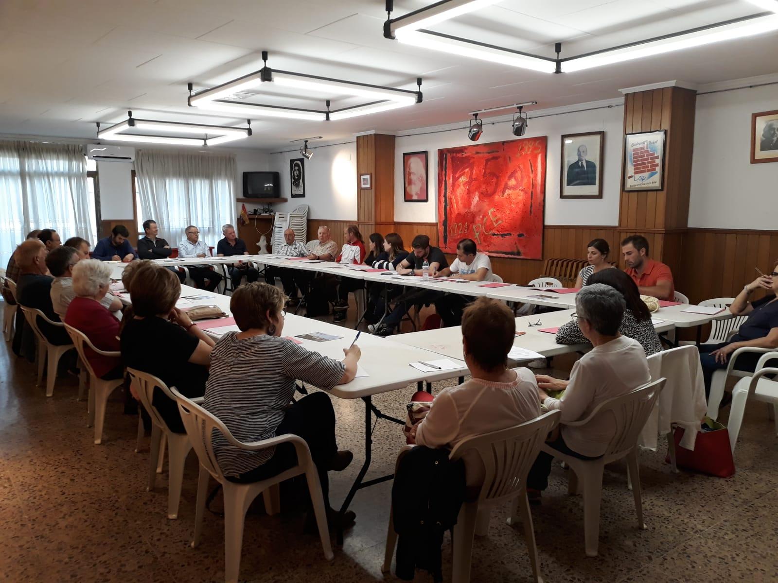 Asamblea de Esquerra Unida desarrollada este jueves por la noche en Buñol.