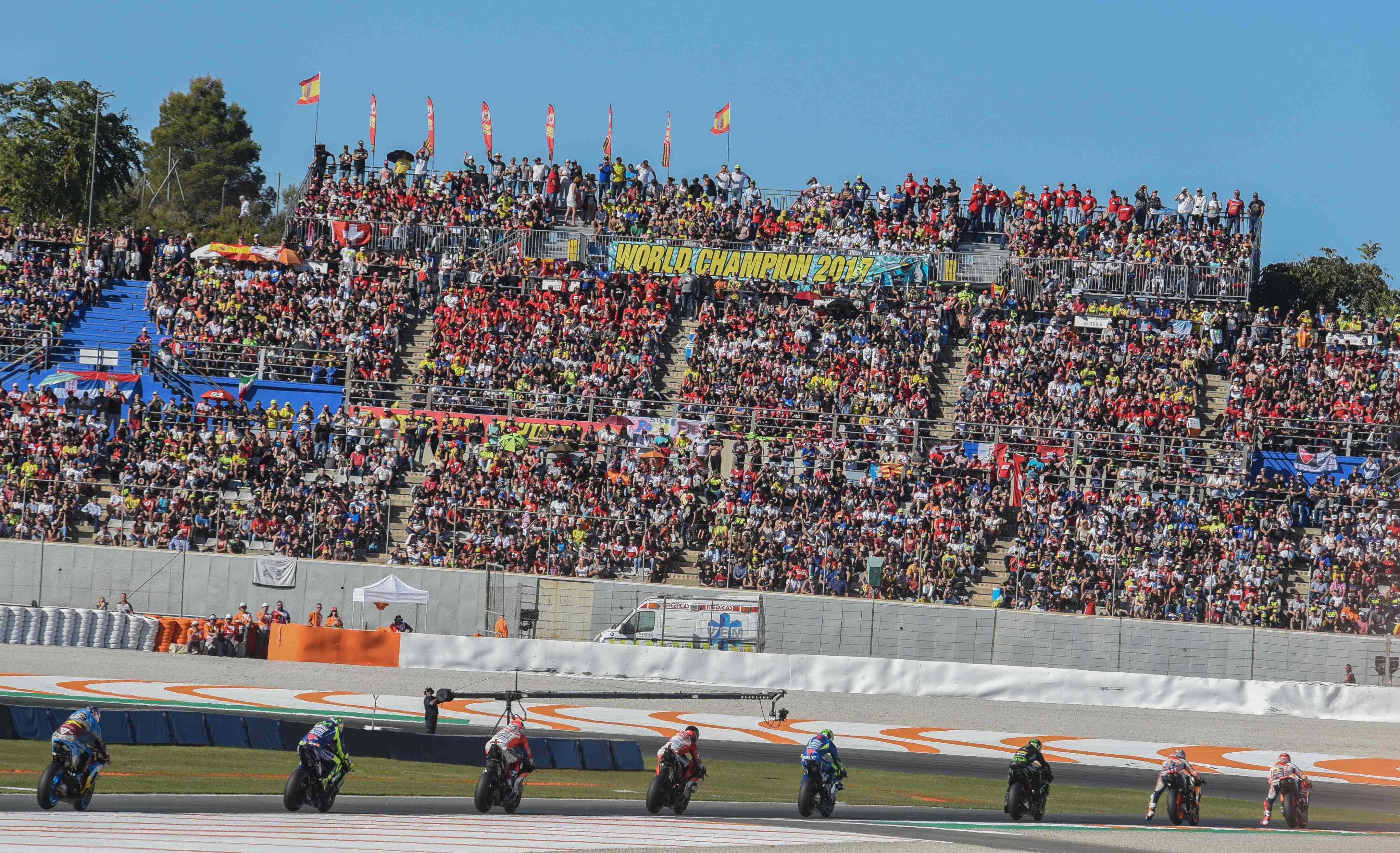 El circuito realizará ampliaciones en las tribunas naranja, azul, verde y roja y se construirá, como es habitual, la tribuna de recta.