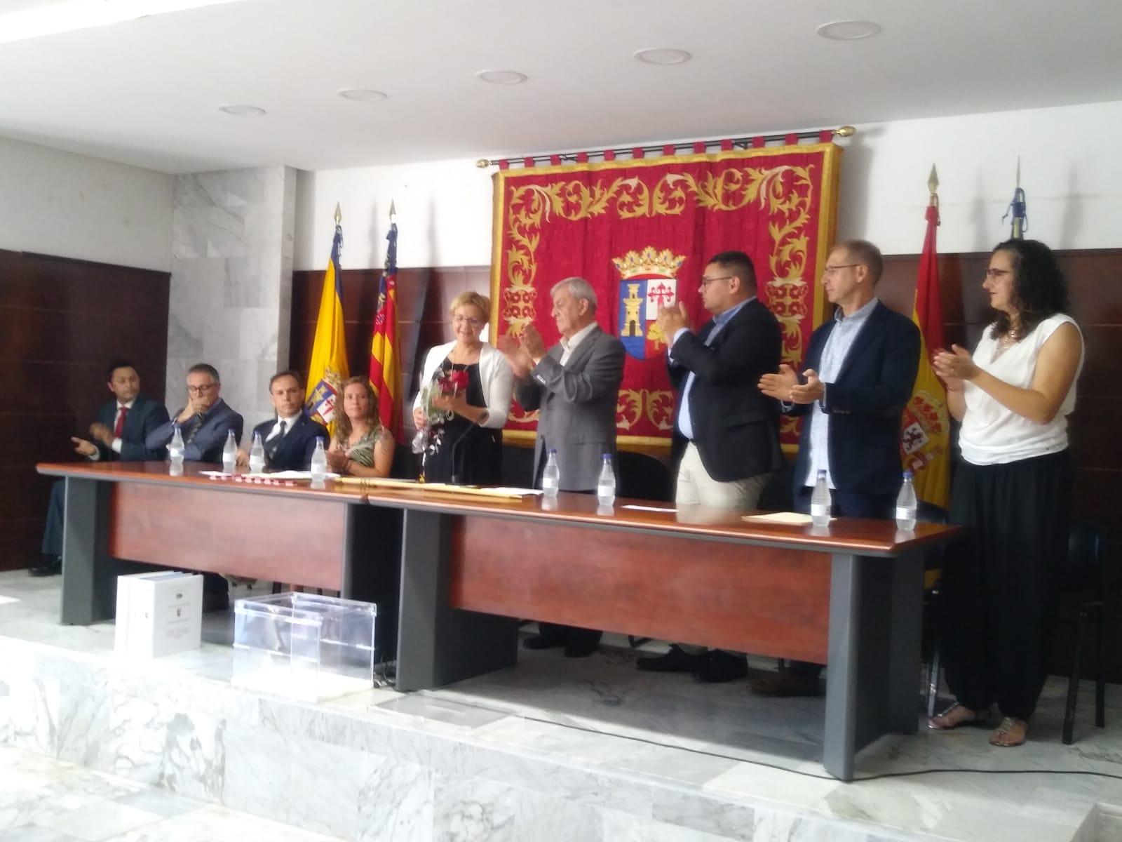Paqui Collado (PSOE) en el momento de ser elegida como alcaldesa.