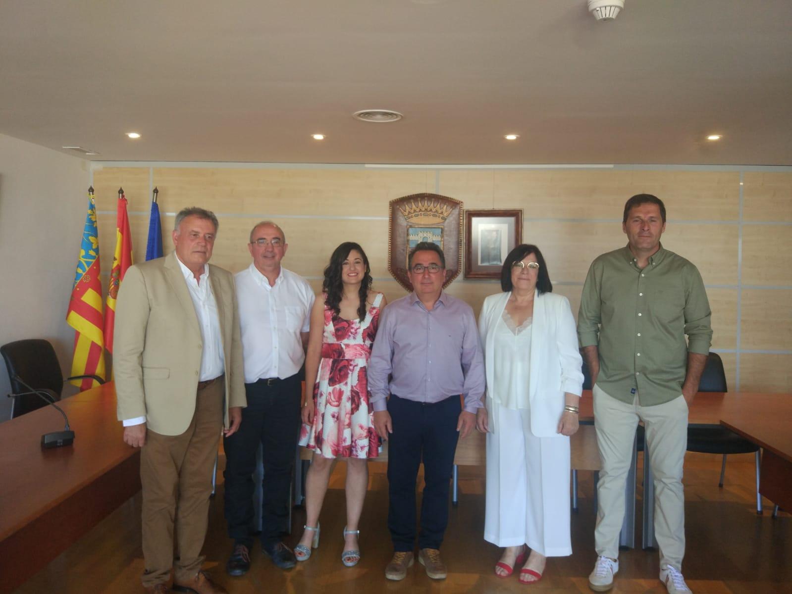 Integrantes del equipo de gobierno socialista de Yátova que lidera Miguel Tórtola.