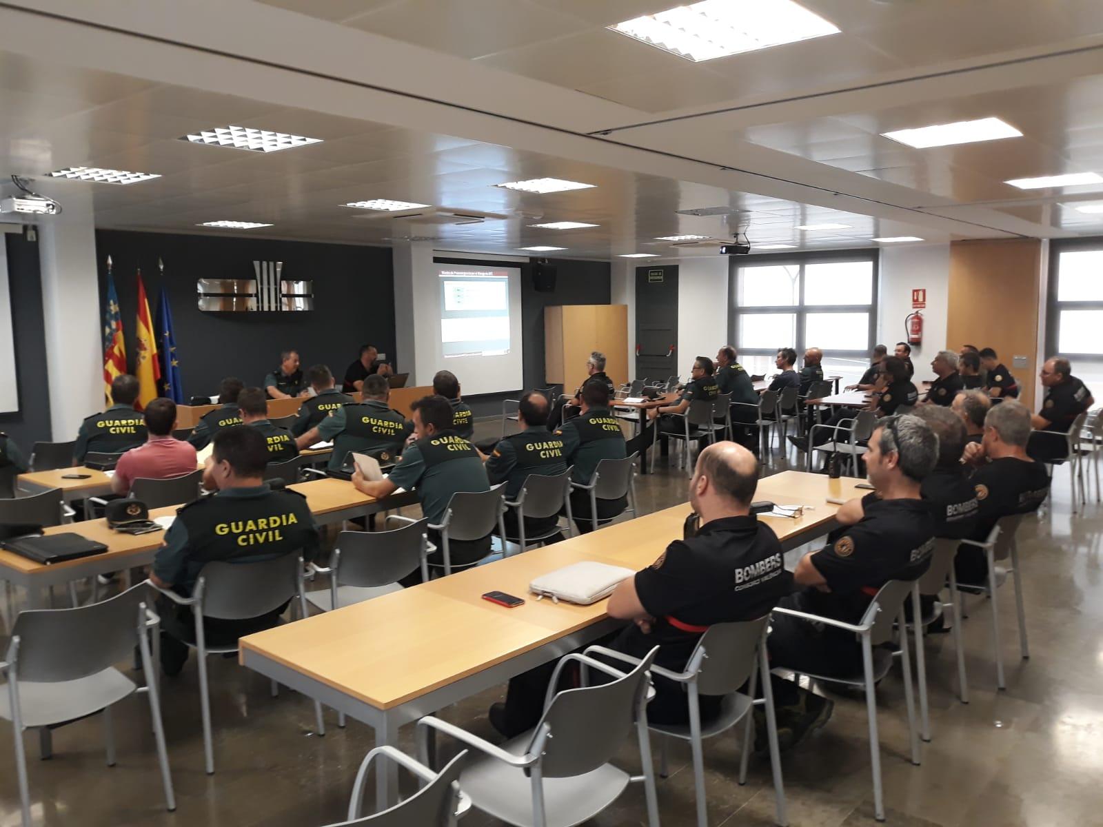 La Guardia Civil de la provincia de Valencia y el Consorcio Provincial de Bomberos tuvieron una reunión el pasado 26 de junio con el objetivo principal de prevenir los incendios forestales en la provincia de Valencia.