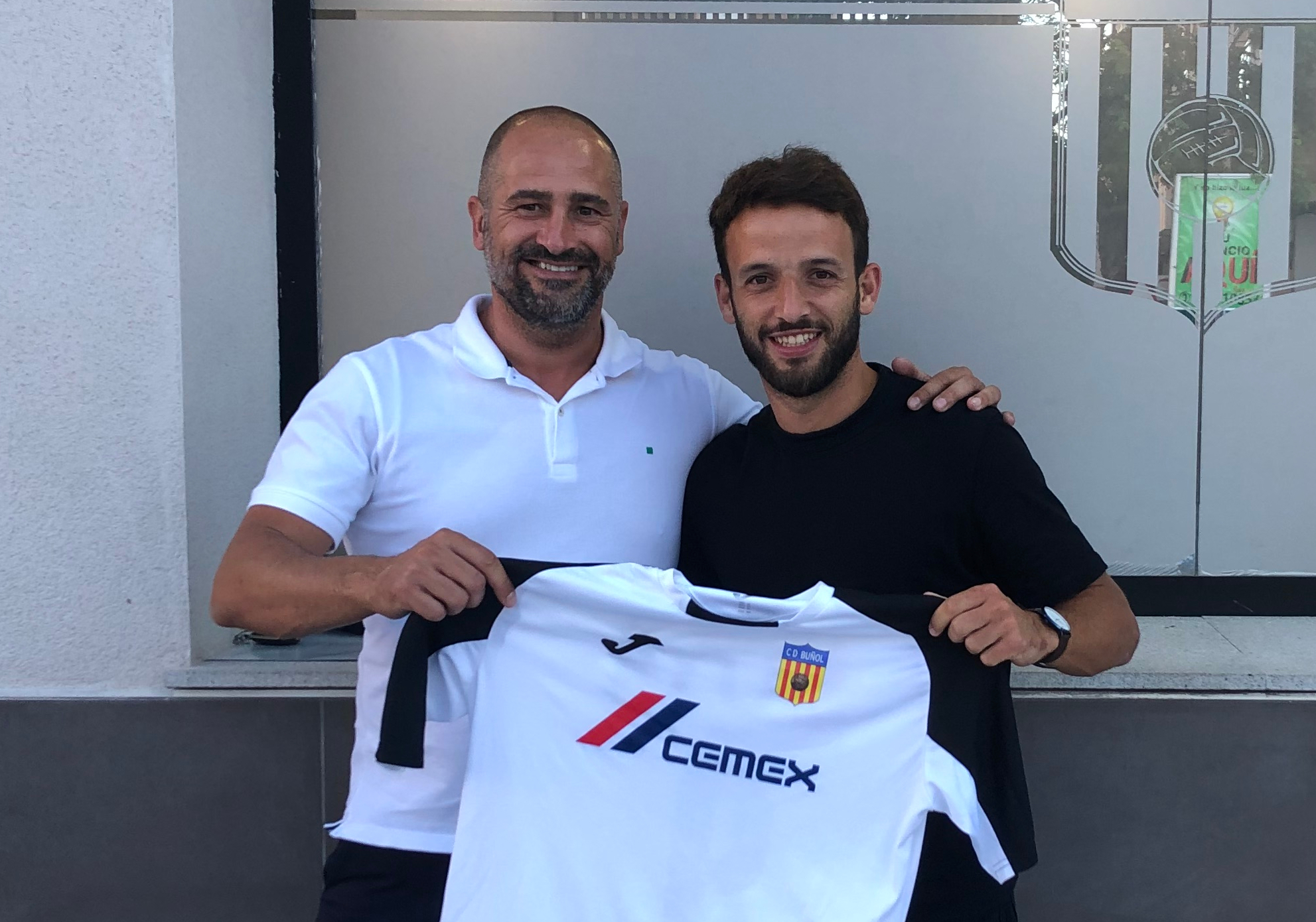 El presidente del CD Buñol junto a Nacho Mata.