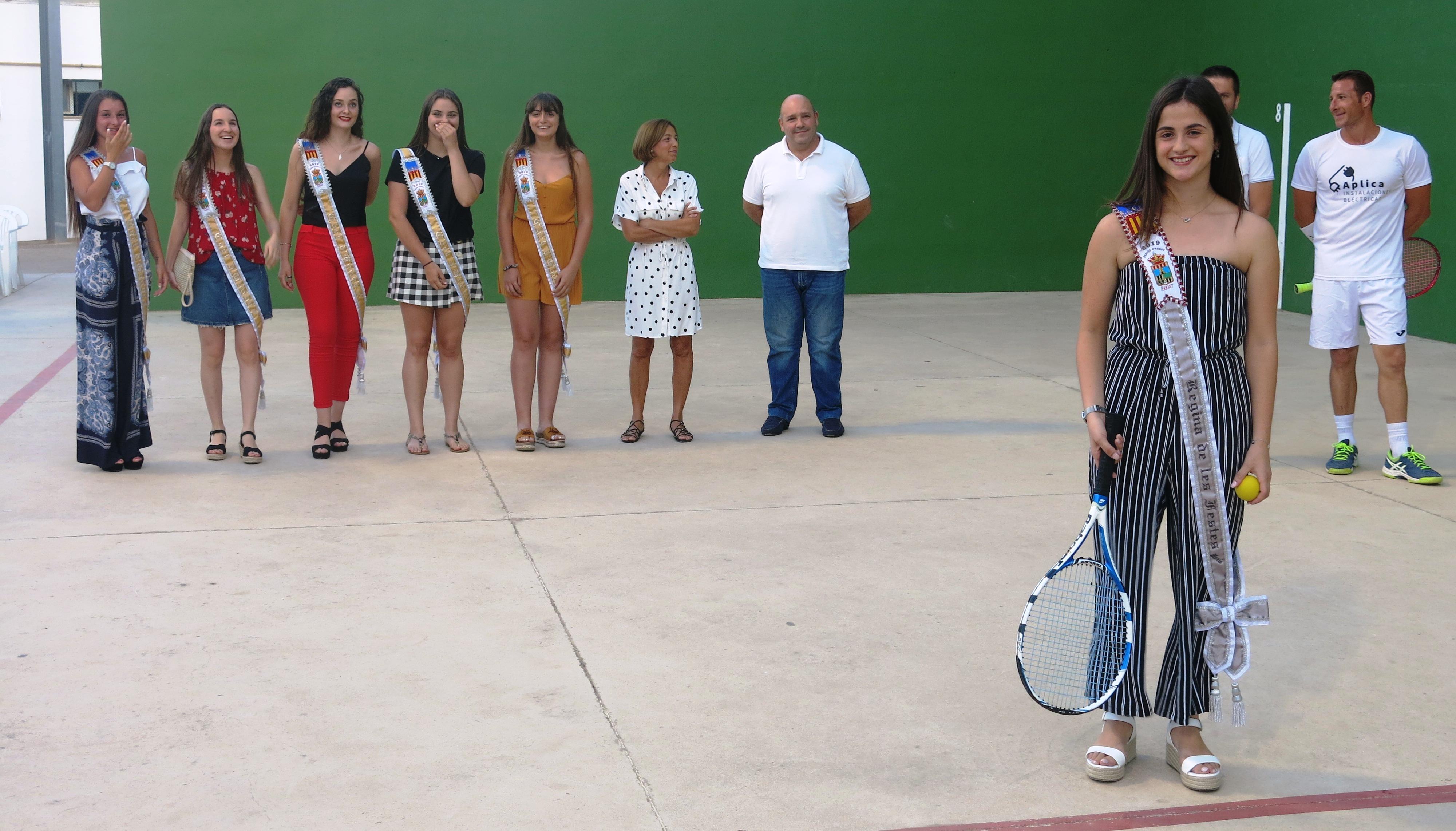 L'entrega de trofeus estigué a càrrec de la Regina de les Festes, María Sánchez, i la seua cort acompanyades per l'alcalde, Eugenio Fortaña, i els regidors de festes i d'esports, Ivan Picó i Mª Dolores Crespo respectivament.
