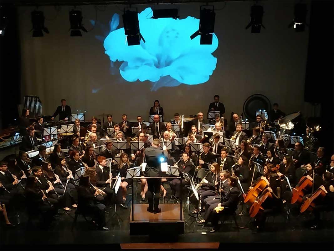 El próximo sábado, los músicos utielanos se disputarán el primer premio con las bandas de Massamagrell y Castelló de Rugat.El próximo sábado, los músicos utielanos se disputarán el primer premio con las bandas de Massamagrell y Castelló de Rugat.