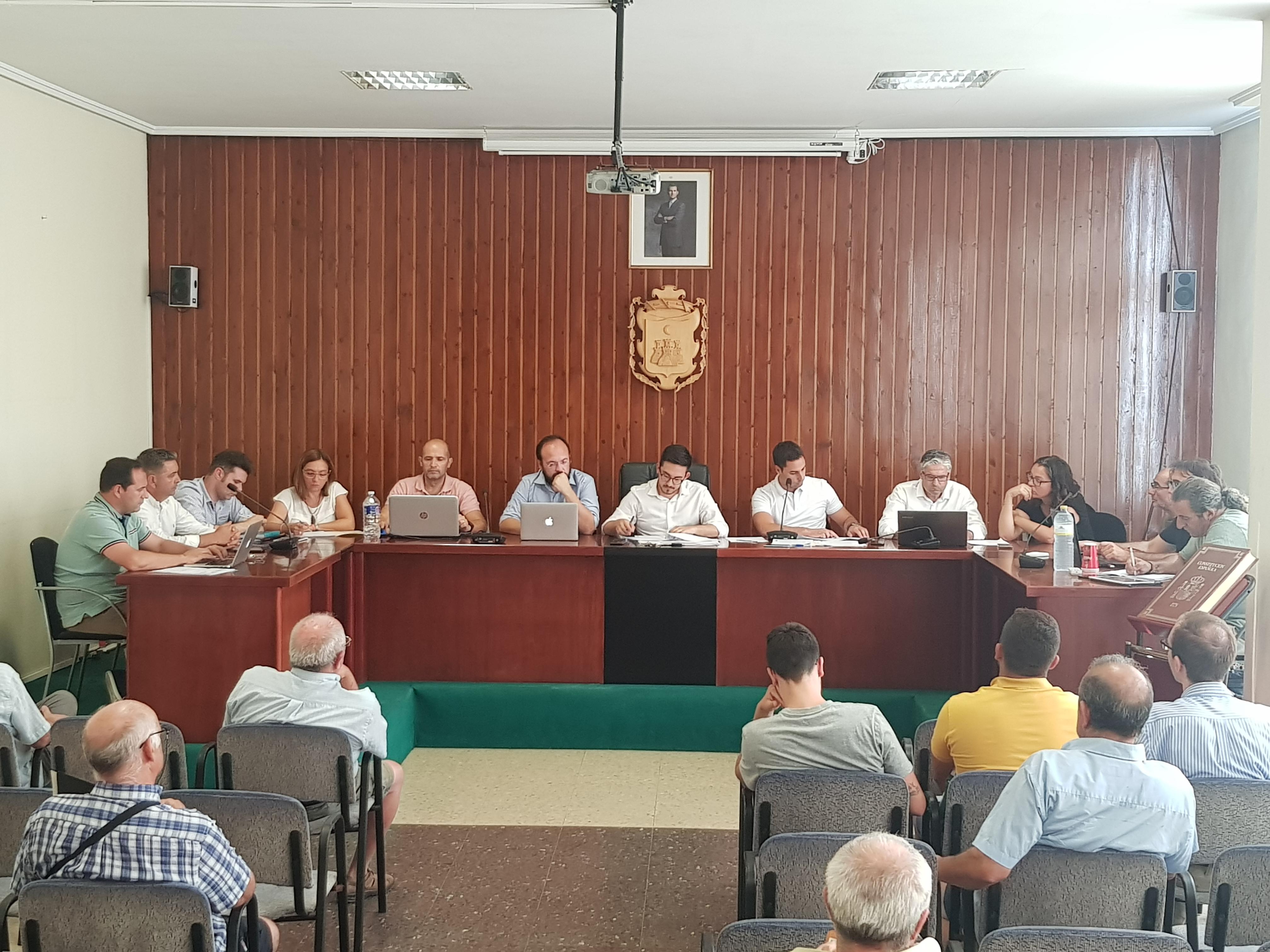 Todos los grupos políticos que integran el pleno del Ayuntamiento de Vilamarxant aprobó por unanimidad sumarse a la Red de Municipios protegidos contra la violencia de género.