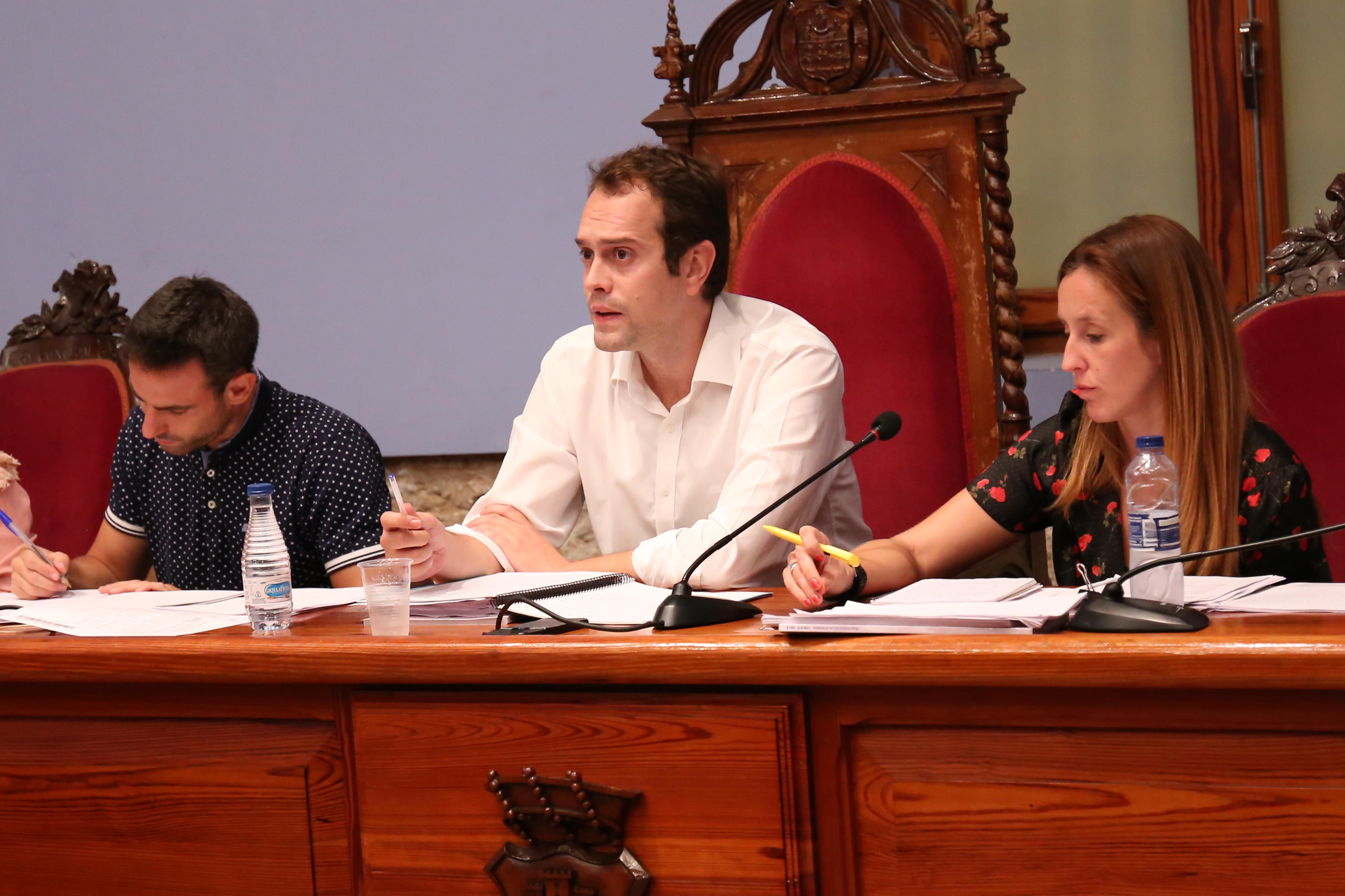 En el pleno se aprobaron la cuenta general de 2018, con la abstención de la oposición, y otros puntos del día.