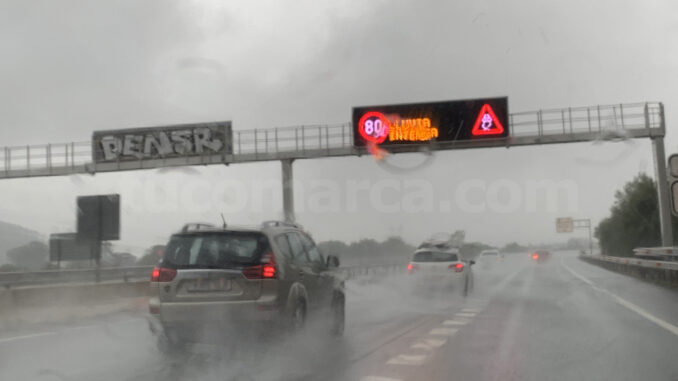Protección Civil y Emergencias alertan por lluvias intensas.