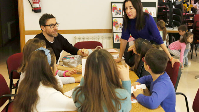 Acaronar y la concejalía de Bienestar Social del Ayuntamiento impulsan una campaña de acogimiento familiar en Cheste.