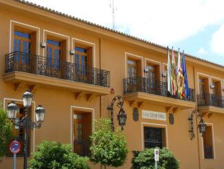 Fachada del Ayuntamiento de Requena.