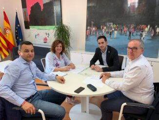 Carlos Fernández Bielsa, se ha reunido este martes con el alcalde de Chera.