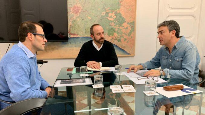 El diputado Ramiro Rivera se ha reunido con el alcalde de Chulilla, Vicente Polo.