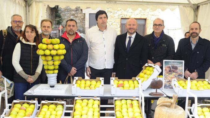 Fiesta de la manzana Esperiega de Ademuz, con la participación del presidente de la Diputación, Toni Gaspar y el diputado de desarrollo rural Ramiro Rivera.