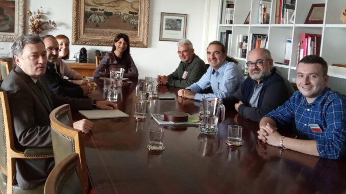 La diputada de Movilidad Sostenible, Dolors Gimeno, se reúne con la directora general de Innovación del Ministerio, Isabel Bombal, acompañada por los presidentes de las mancomunidades de La Ribera.