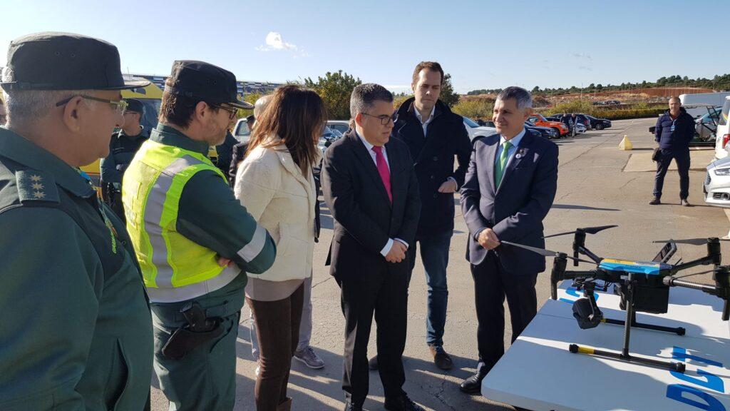 Nota de prensaLa Guardia Civil y la Jefatura Provincial de Tráfico destinan 5 helicópteros, drones de transmisión de imagen a tiempo real y equipos ITS en carretera.