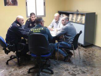 Reunión con los responsables del Ayuntamiento de Pedralba y la Guardia Civil.
