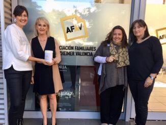 L'Eliana hace entrega de la recaudación obtenida en la Semana del Alzheimer.
