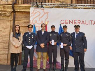 La Conselleria condecora a la Policía Local de Cheste.