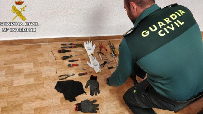 Algunos de los robos se producen en edificios municipales de la localidad de Chelva.