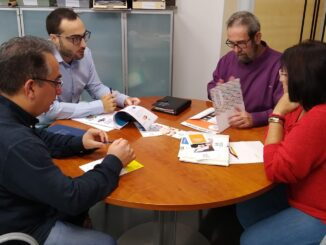 Reunión mantenida entre Miguel Tórtola, Pascual Castelló y Pepa Gimeno.