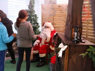 Cheste da la bienvenida a la Navidad con una fiesta infantil.