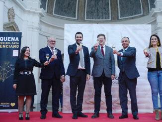 De izquierda a derecha: M.ª José Arroyo, Emilio Expósito, Mario Sánchez, Ximo Puig, Salvador Navarro y Mireia Mollà.