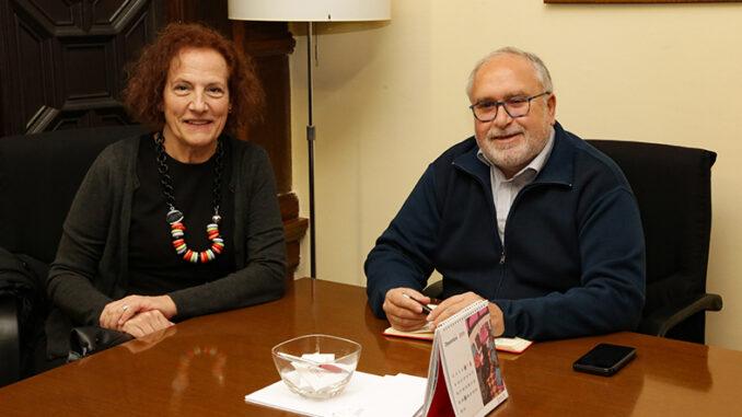 Such se reúne con la alcaldesa de Enguera para ofrecer el apoyo de la Generalitat a los programas municipales.