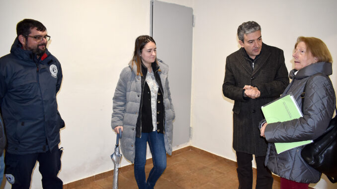 La alcaldesa de Tuéjar con la concejala Virgina Monrabal y el gerente del Sector.