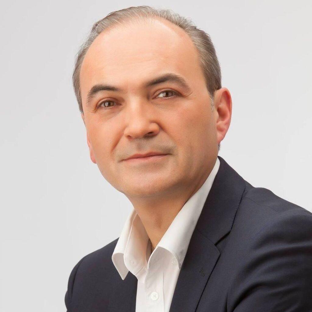 E.l alcalde y diputado provincial Ximo Segarra