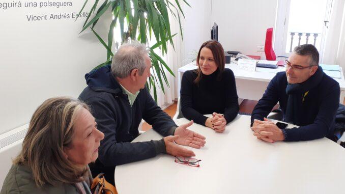 Amparo Orts con el alcalde de Montserrat, Josep Maria Mas.