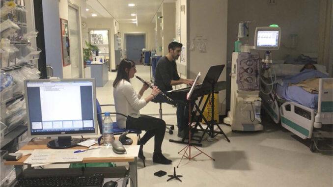 Música para reducir la ansiedad y la depresión de los pacientes de hemodiálisis.