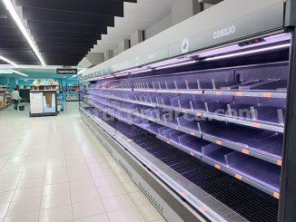 Una imagen de uno de los supermercados donde no quedan existencias.